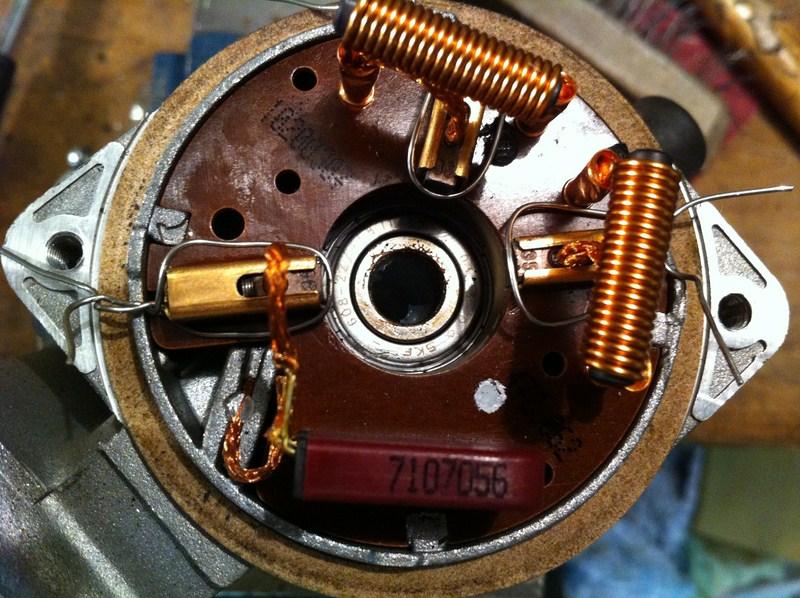 [TUTO] Démontage et Remontage du mécanisme d'essuie-glace avant (a venir: modif des bras de commande) Mecanisme%20essuiglace%20av%20(19)%20(800x600)