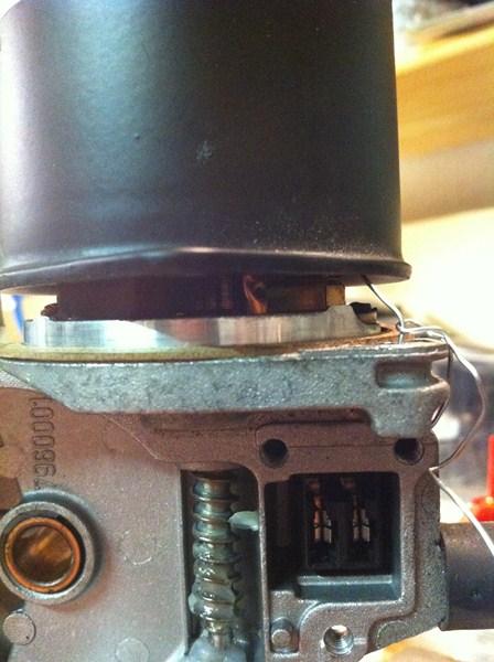 [TUTO] Démontage et Remontage du mécanisme d'essuie-glace avant (a venir: modif des bras de commande) Mecanisme%20essuiglace%20av%20(23)%20(800x600)